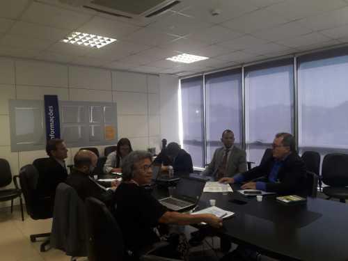 Gerente de Sistemas Produtivos em reunião com assessor de Orçamento, Everton Fernandes na Câmara dos Deputados