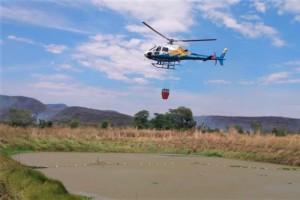Helicóptero do Ciopaer durante ação na região da serra do Lajeado, em Palmas