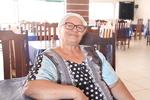 Dona Benta sonha com o retorno da movimentação em sua churrascaria