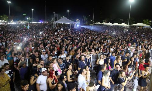Segundo dados da Polícia Militar, mais de 50 mil pessoas marcaram presença na Praça dos Girassóis, para festejar os 31 anos do Tocantins, Meu Melhor Estado