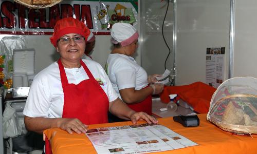 Maria Ribeiro levou 20 sabores de pastéis, com destaque para o