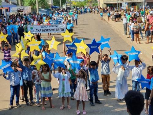 Desfile Cívico envolveu as escolas do município