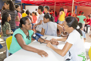 Aferição de pressão arterial foi oferecida pelos voluntários no evento