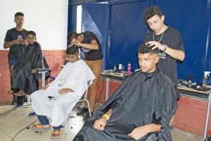 O corte de cabelo foi uma das várias ações oferecidas aos moradores de Taquaruçu