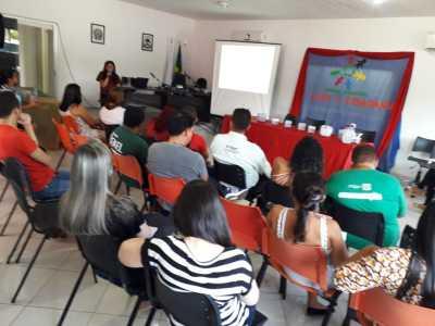 Representantes das prefeituras e demais instituições participam do FELC