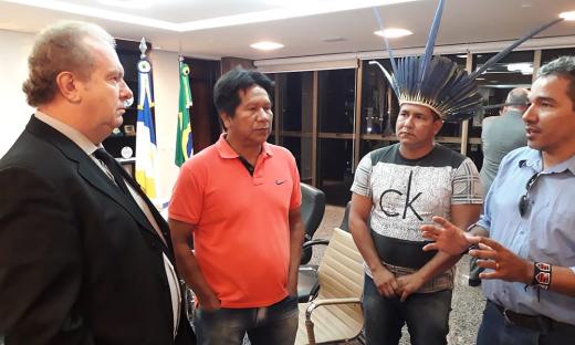 Governador Carlesse convida caciques para audiência pública sobre a construção da Transbananal