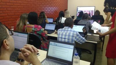 Servidores fazem treinamento através do ambiente de funcionamento do sistema
