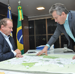 No último dia 2 de agosto, os governadores do Tocantins, Mauro Carlesse, e do Mato Grosso, Mauro Mendes, se reuniram, em Palmas, para tratar da parceria para a construção da rodovia Transbananal (BR-242)