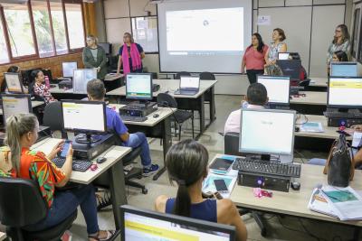Técnicos municipais participam de teleconferência sobre o Sistema Acessuas Trabalho