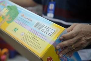 Ao comprar brinquedos, os consumidores devem ficar atentos à segurança do produto