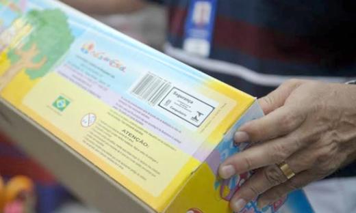 Consumidores devem estar atentos ao Selo do Inmetro e à todas as informações contidas nas embalagens, em especial, a faixa etária indicativa do produto