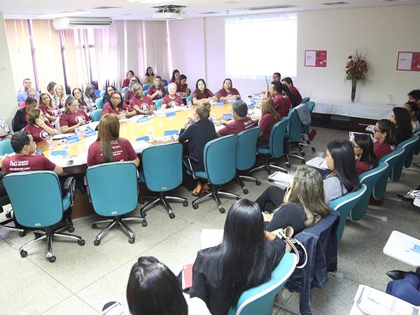 Reunião com diretores regionais de Educação prossegue com pauta pedagógica e socialização de ações