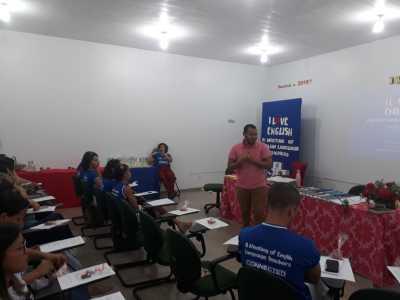 Cerca de 30 professores estão participando da formação.jpeg