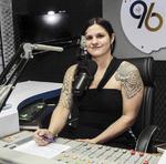 Carlla Morena durante o programa Hora da Notícia