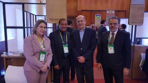 técnicos do Tocantins com o investidor na área de silos e armazenagem de grãos, Luiz Roberto Trevisani