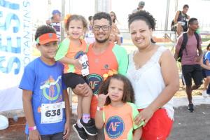 Jhonatan e a família se reuniram para comemorar a data buscando o incentivo à prática esportiva