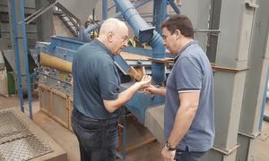 O secretário da Indústria, Comércio e Serviços, Ridoval Darci Chiareloto, visitou a empresa Porto Cereais