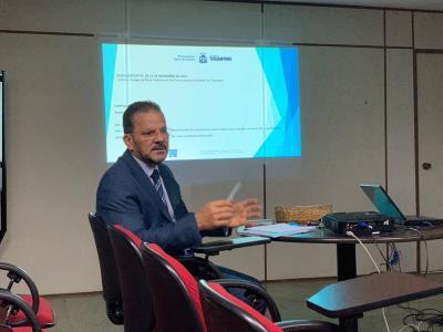 Corregedor Deocleciano Gomes apresenta resoluções