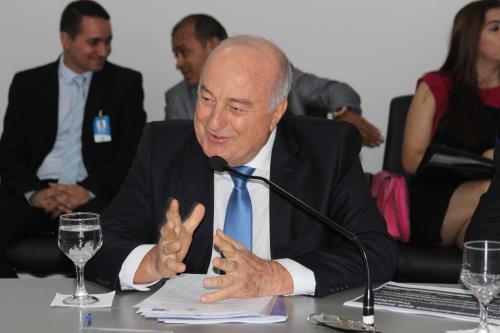Secretário Ridoval fala das ações desenvolvidas pela pasta ao conselheiros do Sebrae