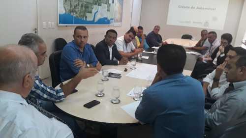 Reunião teve participação do presidente da Terratins, Aleandro, que explicou sobre trâmites legais para aquisição dos lotes