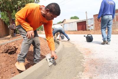 Com o asfalto, os moradores comemoram tempos de residência limpa e a não propagação de doenças respiratórias