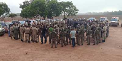 Os policiais empregados na operação se reuniram ao final da missão e seguem em comboio a Palmas, onde serão homenageados.