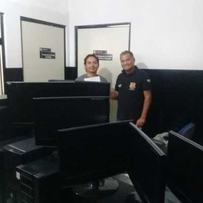 Polícia restituiu os equipamentos do laboratório de informática que haviam sido furtados da escola