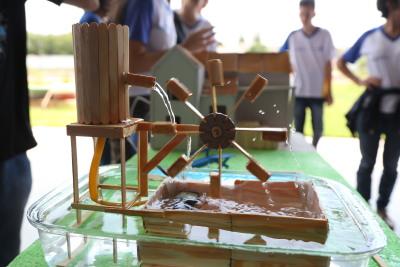 Estudantes demonstram a evolução na produção de energias renováveis