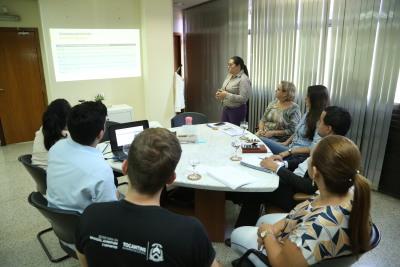 A apresentação foi feita pela equipe de implantação das escolas Jovem em Ação para o secretário Executivo da Seduc, Robson Villa Nova Lopes