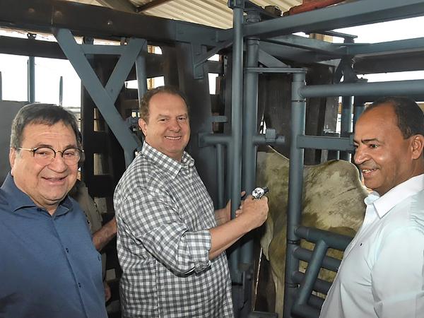 Governador Mauro Carlesse ressalta que o status de Estado livre da aftosa é a prova de que o Governo trabalha para que o rebanho tenha sanidade e a carne tenha qualidade no mercado mundial