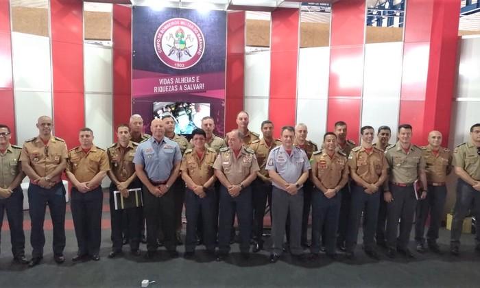 Comandantes-gerais no Senabom discutindo e defendendo os direitos dos bombeiros militares e de policiais militares