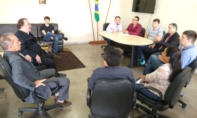 A reunião foi realizada na secretaria da Administração
