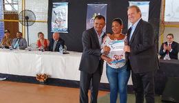Governador Carlesse participa da entrega de títulos de propriedades em Mateiros