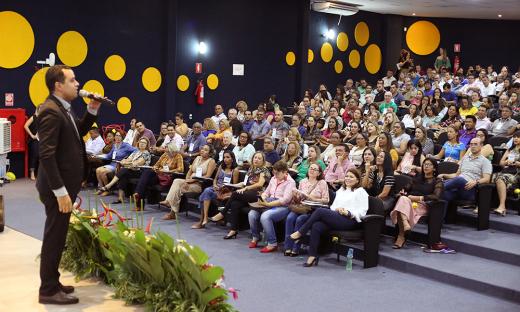 Gestores escolas trocam experiências sobre boas práticas educacionais