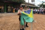 1º Sargento Iramar Sirqueira providenciando a incineração da Bandeira.png