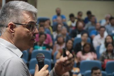 O engenheiro agrônomo Fernando Garcia da Seagro apresenta as ações do Plano ABC no Tocantins