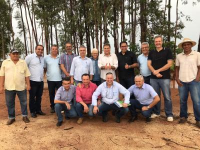 Secretários e Diretores fazem registro da equipe na área da Agrotins