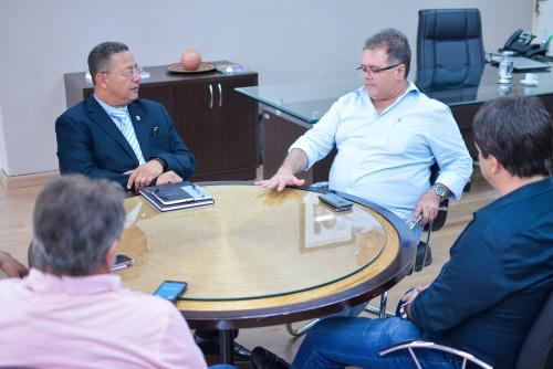 Tom Lyra com o prefeito de Colinas do Tocantins