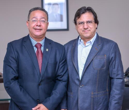 Secretário e empresário, José Eduardo Motta, durante encontro na Sics
