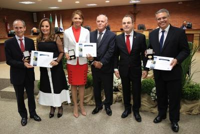 Nivair Borges prestigia evento de 30 anos do Judiciário Tocantinense e é homenageado