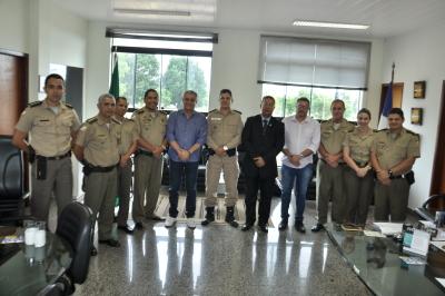 Comandante geral juntamente com oficiais da corporação recebem o chefe do gabinete do Ministro do Turismo.JPG