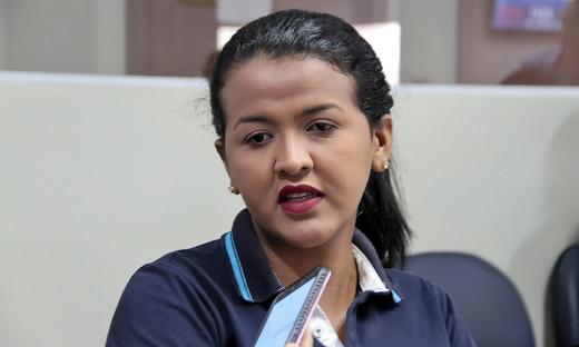 A diarista Ana Rodrigues Neres, moradora do Setor Santa Bárbara, aproveitou a abertura dos serviços para iniciar o processo de emissão do RG da sua filha