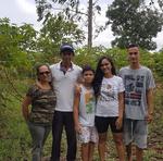 Além do apoio do Ruraltins, produtor conta com a ajuda da família no cultivo e venda dos produtos