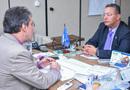 Secretário Tom Lyra e o delegado José Marcio Bittes, durante encontro na Receita Federal