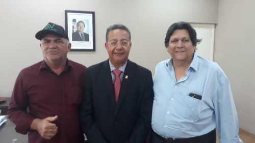 Empresário Aquiles da Areia, secretário Tom Lyra, e diretor presidente do grupo Tabocão, Edson Tabocão