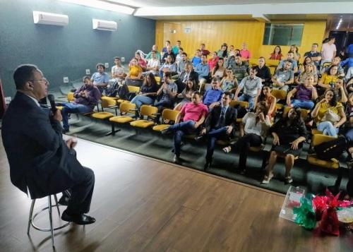 Durante a reunião, Tom Lyra agradeceu o trabalho da equipe