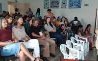 Professora Odalea Sarmento proferindo palestra na III Audiência Pública sobre o Plano Municipal de Educação de Tabocão.