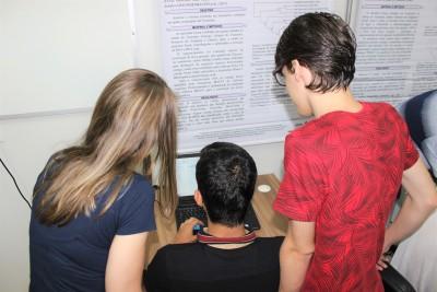 Academicos do Prof Fabricio Souza Campos no Laboratório de Pesquisa  UFT Gurupi - Fotografo Daniel Santos (02)_400.jpg