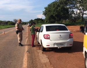 Também foi realizada uma ação de educação ambiental dos condutores e passageiros por meio de panfletos _Crédito Divulgação-Naturatins