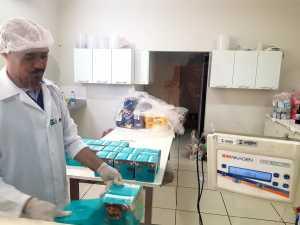 Produtos da Operação Natal e Ano Novo em teste metrológicos no laboratório de Pré-Medidos da AEM